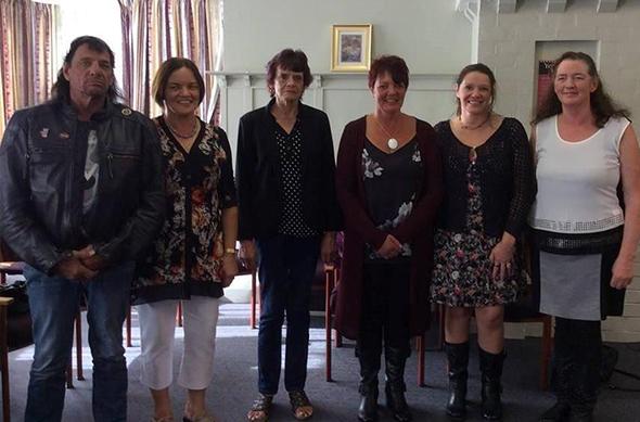 Apes Fraser whānau - Gordon, Judy, Janice, Donna, Jenny, Susan.