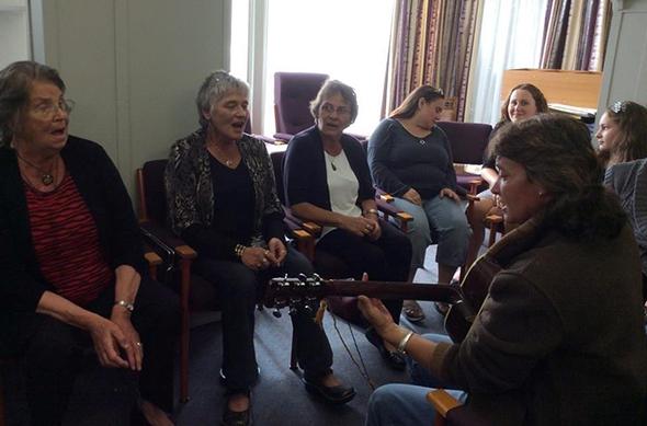 Apes whānau -Betty, Brenda, Margaret, Kerry, Jacinta, Alaska, Kiri on guitar.