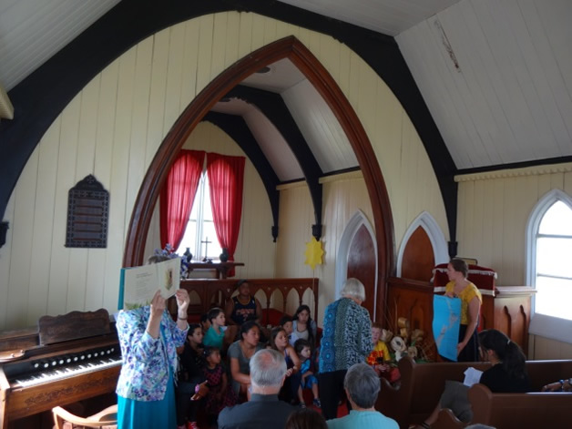 Church service at Hone Wetere.