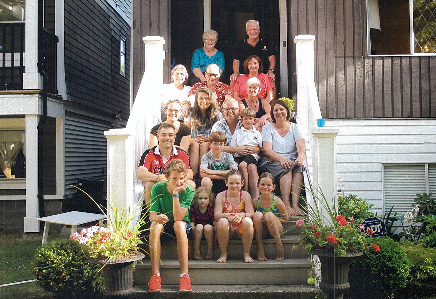 All of the whānau together. Back row, Rosalie and Donald. Fourth row, Marilyn, Rewi and Dorothy. Third row, Katherine, Nepeya, Peter, Oliver, Judith and Leanne. Second row, Ian and Evan. Front row, Kalan, Kirianne, Kara and Maren.
