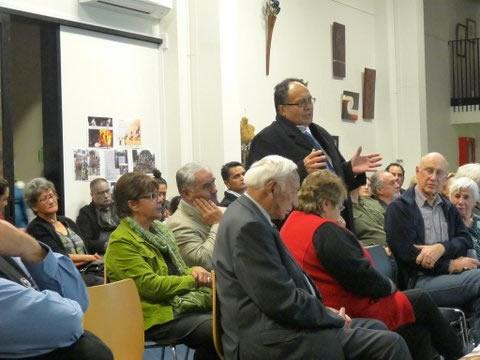 Left, Harry Mikaere Hauraki, pays tribute to Tā Mark Solomon. Right, Patsy Davies and Maria Diamond.