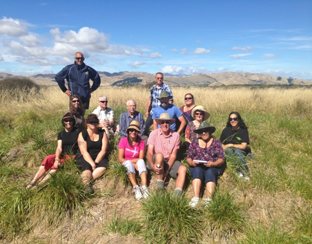 Hui members gathered to learn about the Wairau Bar.