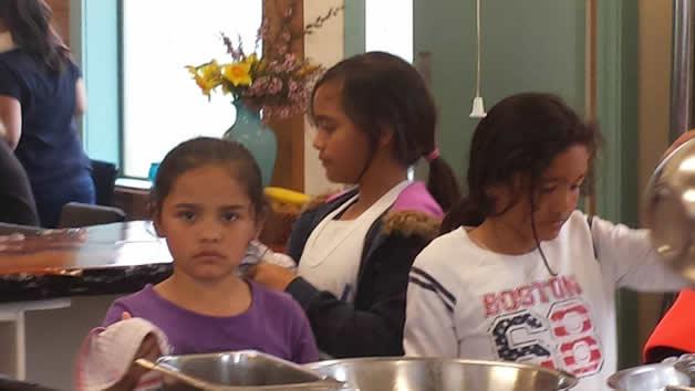 Karera Wallace-Jones, Sapphire and Aotea Mihaka on dishes duty.
