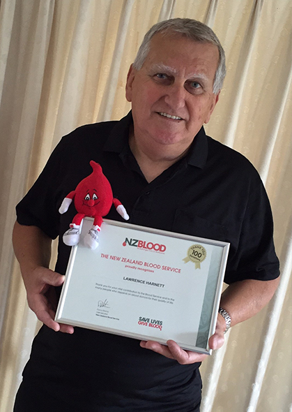 Laurie with his special certificate.