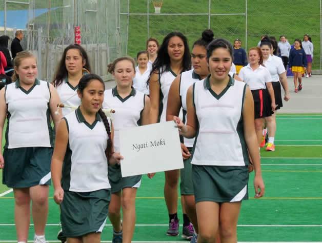 Ngāti Moki marching girls in action.