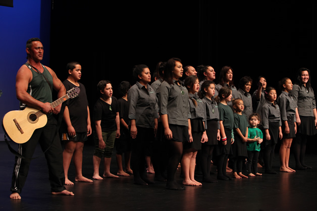 Ngāti Waewae perform at Te Atakura.