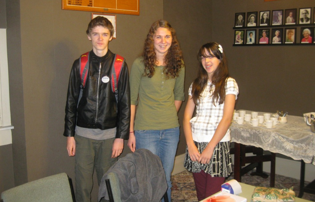 Our efficient young helpers Ben, Annelise and Leilani Cottrell.