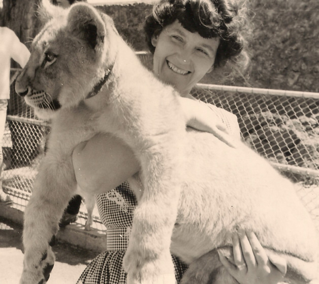 Photo of Terry at Auckland Zoo in 1961.