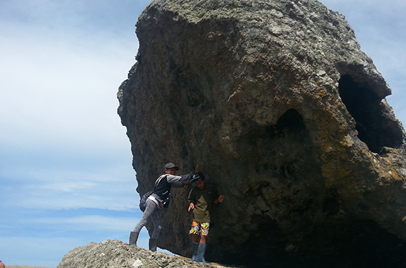 Pictured here are Naera and Mahana Wirihana-Cole, the mokopuna of Dene Cole and Dene's wife, Sally. This picture was taken on the coastal loop track at Balancing Rock.