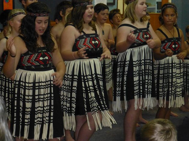 Riverton Primary School kapa haka performers.
