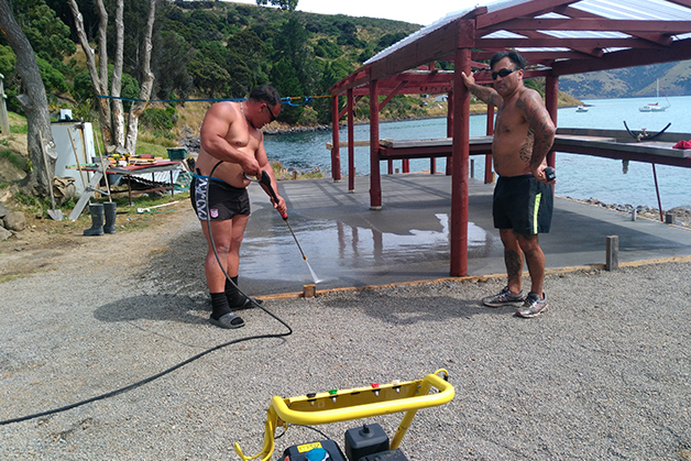 Ron Rhodes and Rik King complete the work on the whata.