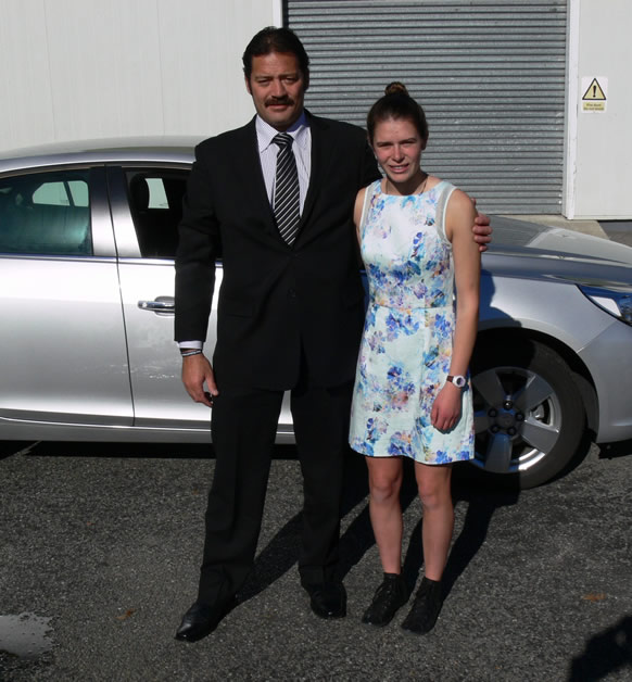 Sarah with Willie Apiata VC who stopped his vehicle to wish her well and have his photograph taken with her.
