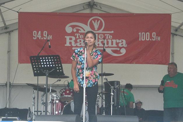 Sianne performing at Te Rā o te Raukura Festival.