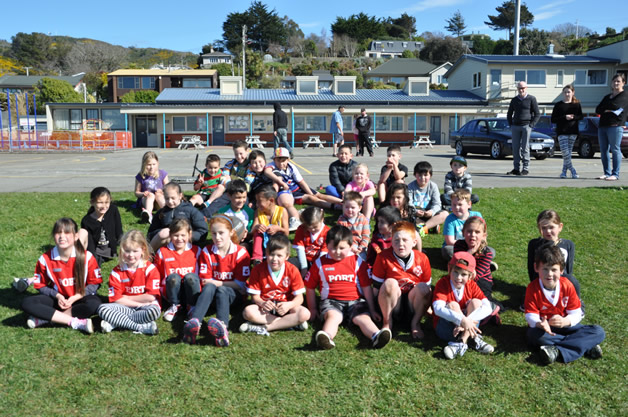 Some of the tamariki involved in the Port Softball Clubs under 7 and under 9 tee-ball teams.