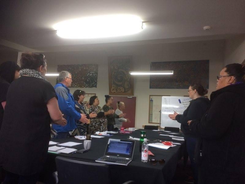 Staff and whānau Te Ara Reo Māori class.