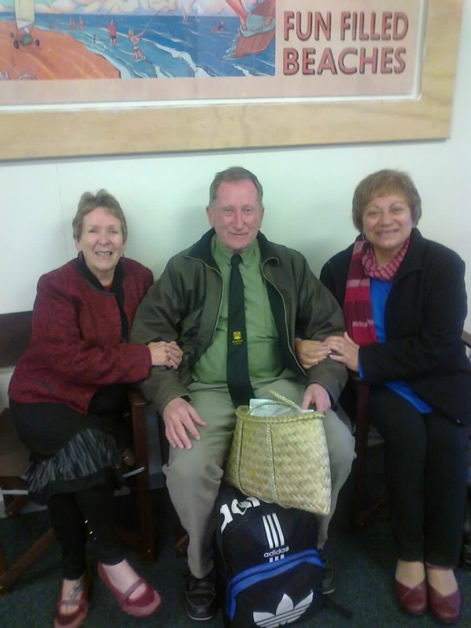 From left, Tāua Robyn Cook, Terry Ryan and Tāua Amiria Whiterod. Terry is holding the kete whiri, which was made by Matene Climie and gifted to him by Kāi Tahu ki Ōtaki.