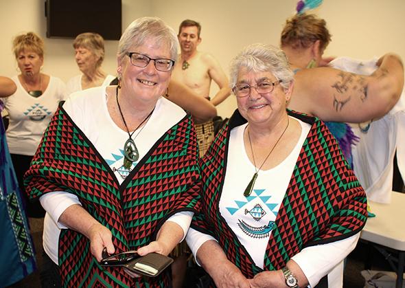 Taumutu 'Twins' kaumātua, Daphne O'Connell and Margaret Jones.