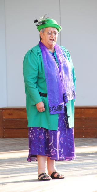 Te Mana o te Whānau Taskforce Chairperson, Aroha Reriti-Crofts welcomes the Minister onto Tuahiwi Marae.