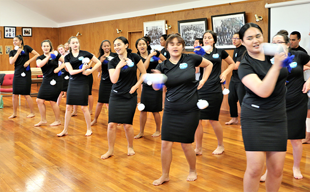 Te Waka Kōtuia performing at Tā Mark's farewell.