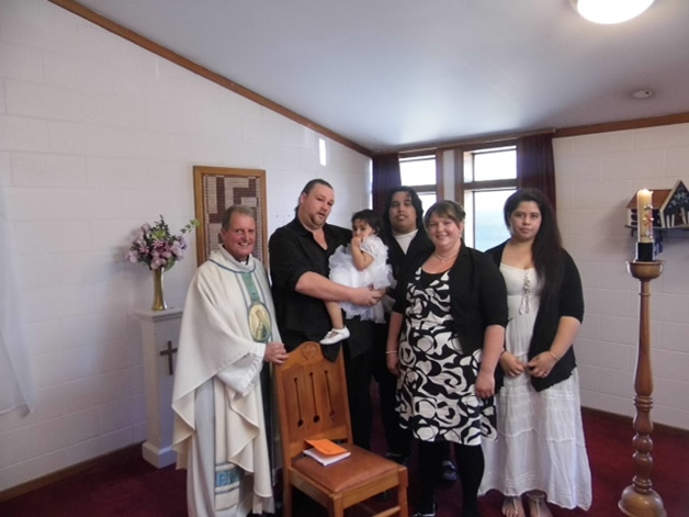 The Te Wani whānau gather for a double baptism.