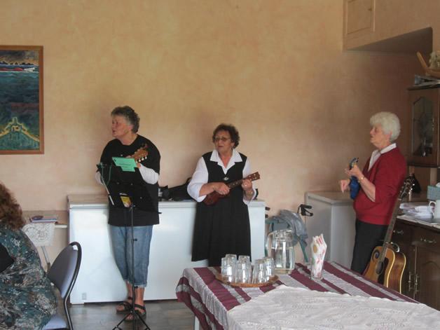 The ukulele ladies having a sing along.