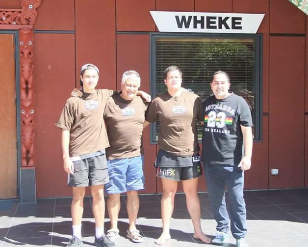 Third placegetters, whānau Korako – James, Tutehounuku, Nicholas with Brett Lee.
