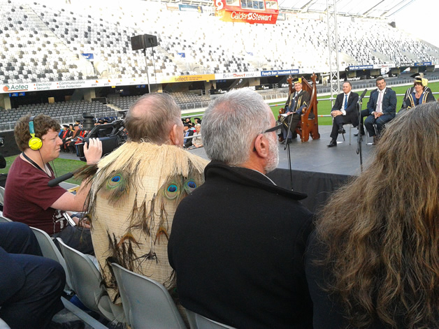 Upoko David Ellison and other rūnaka members at University of Otago Convocation ceremony.