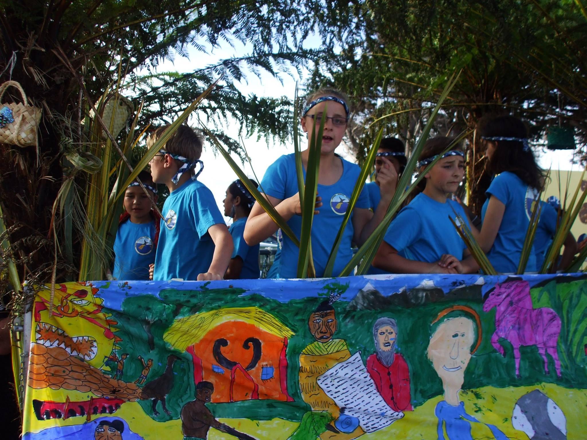 The kapa haka group float.
